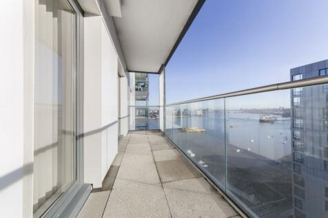 City Peninsula, 25 Barge Walk, Greenwich, LONDON, SE10. 2 bedroom apartment