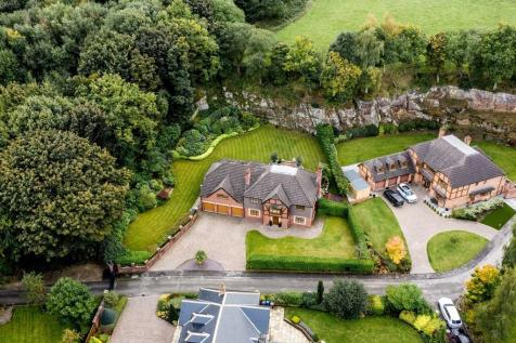 Mowson Hollow, Worrall, Sheffield. 5 bedroom detached house for sale