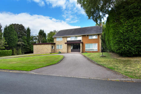 Squirrel Walk, Little Aston Park. 5 bedroom detached house