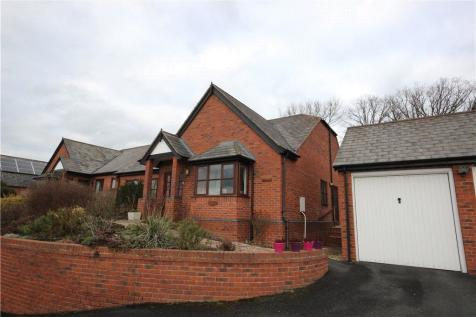 Maes Chwarae, Church Stoke, Montgomery, Powys, SY15, Mid Wales - Bungalow / 3 bedroom bungalow for sale / £230,000
