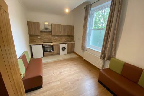 Wellington Road, BN2. 2 bedroom flat
