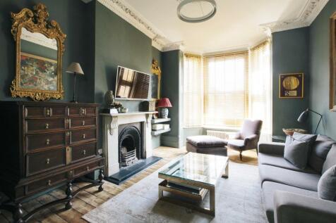 Coldharbour Lane, Brixton, London, SE5. 4 bedroom terraced house