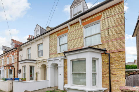 (PN) Derwent Grove, London, SE22 8EA. 5 bedroom semi-detached house for sale