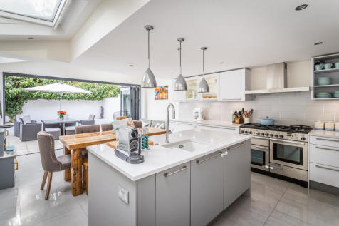 Kimberley Road, Clapham, SW9 9DQ. 4 bedroom town house for sale