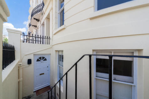 Lansdowne Place, Hove. 2 bedroom apartment