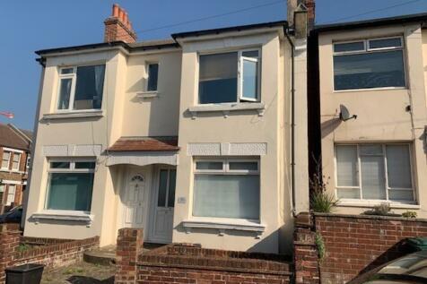 Milner Road, Brighton. 2 bedroom ground floor flat