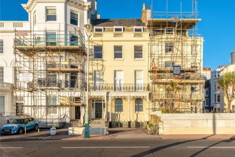 Marine Parade, Brighton, East Sussex, BN2. 3 bedroom maisonette for sale
