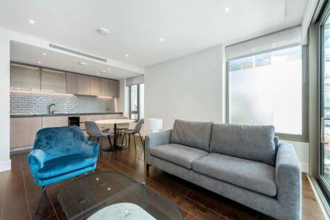 Radley House, Prince of Wales Drive, Battersea, SW11. 2 bedroom flat