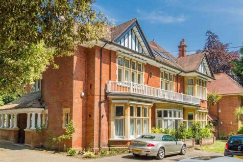 Burton Road, BRANKSOME PARK, Poole, Dorset, BH13. 2 bedroom apartment for sale