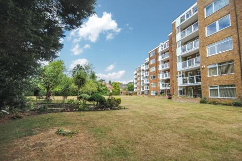 The Avenue, Poole, Dorset, BH13. 3 bedroom apartment