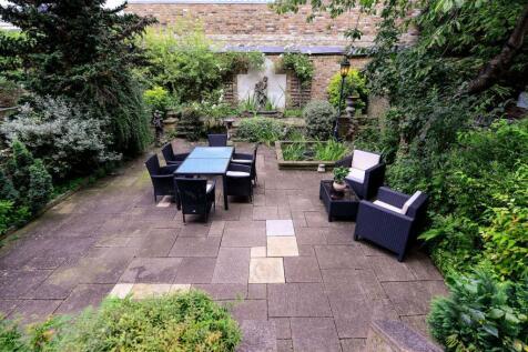 Philbeach Gardens, Earls Court, London, SW5. 6 bedroom terraced house