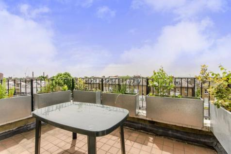 Harcourt Terrace, Chelsea, London, SW10. 2 bedroom flat