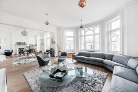 Barkston Gardens, South Kensington, London, SW5. 5 bedroom flat for sale
