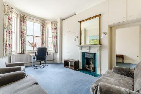 Fulham Road, Chelsea, London, SW10. 2 bedroom flat