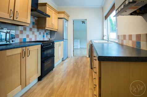 Halsall Lane, Ormskirk. 3 bedroom semi-detached house
