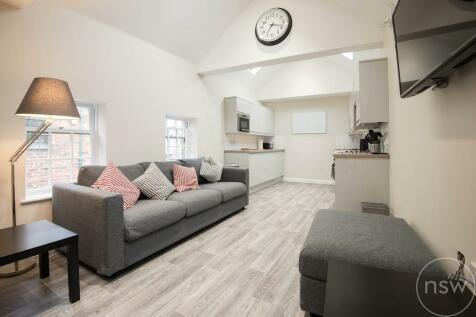 Burscough Street, Ormskirk. 6 bedroom flat