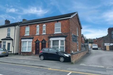 Wigan Road, Ormskirk. 6 bedroom semi-detached house