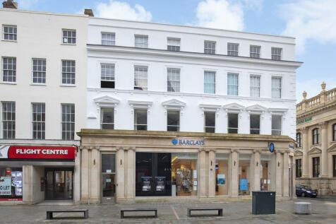 High Street, Cheltenham, GL50 1EG. 2 bedroom apartment