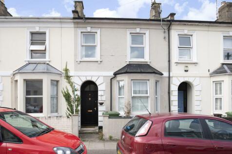 Leighton Road, Cheltenham GL52 6BD. House share