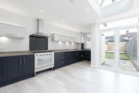 Hatherley Street, Cheltenham GL50 2TT. 2 bedroom terraced house
