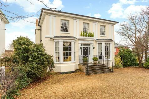 Leckhampton Road, Cheltenham, Gloucestershire, GL53. 7 bedroom detached house