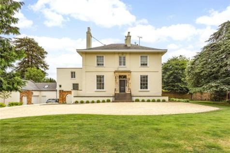 Moorend Park Road, Cheltenham, Gloucestershire, GL53. 5 bedroom semi-detached house for sale