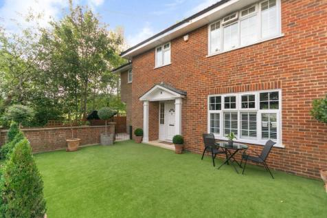 Maxted Park, Harrow on the Hill, Harrow, HA1. 4 bedroom house