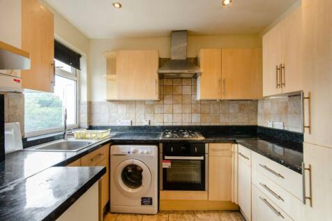 Woodford Place, Preston, Wembley, HA9. 2 bedroom flat