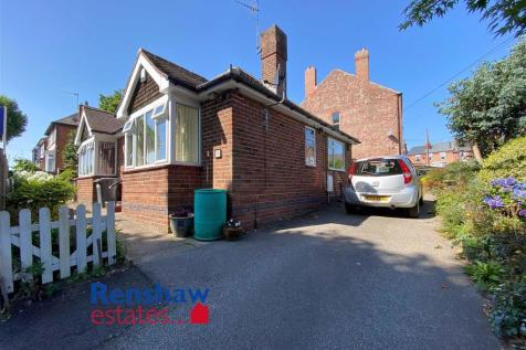 Park Drive, Ilkeston, Derbyshire. 2 bedroom detached bungalow