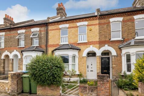 St. Johns Terrace, London, SE18. 2 bedroom terraced house