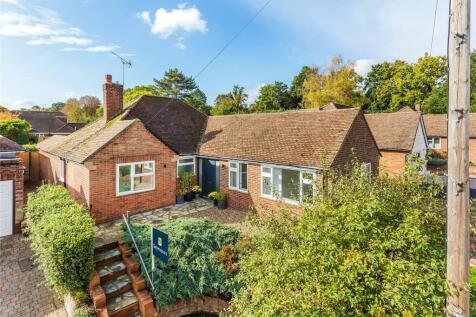 Woking, Surrey, GU22. 4 bedroom bungalow for sale