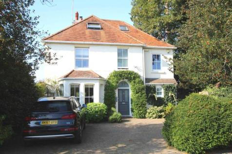 Conisboro Avenue, Caversham Heights, Reading. 5 bedroom detached house for sale