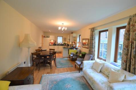 Talbot Court, Low Petergate. 2 bedroom apartment