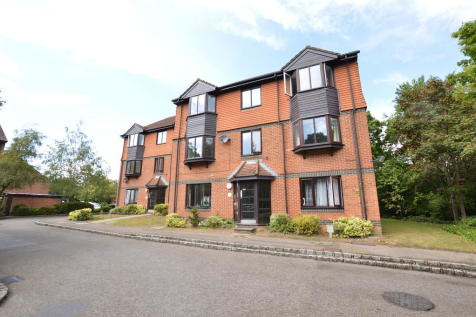 foxhills, Woking. 2 bedroom apartment for sale