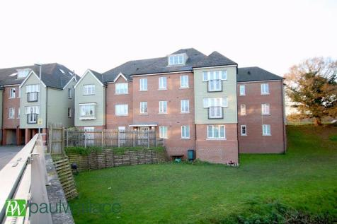 Watery Lane, Turnford. 1 bedroom apartment
