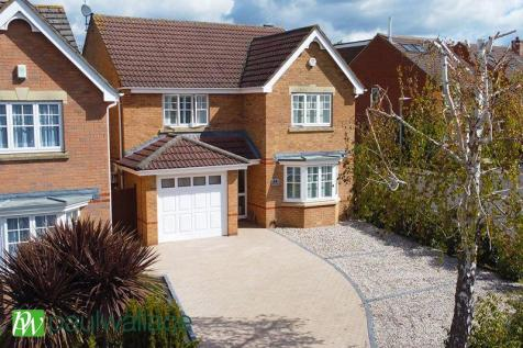 Lightswood Close, West Cheshunt property