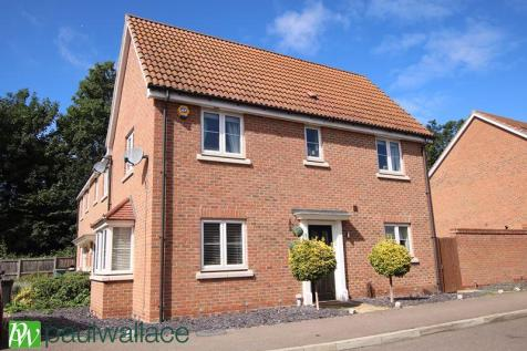 Aldermere Avenue, West Cheshunt. 3 bedroom end of terrace house