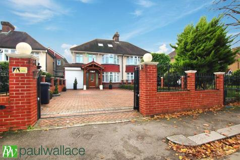 Albury Ride, Cheshunt. 5 bedroom semi-detached house for sale