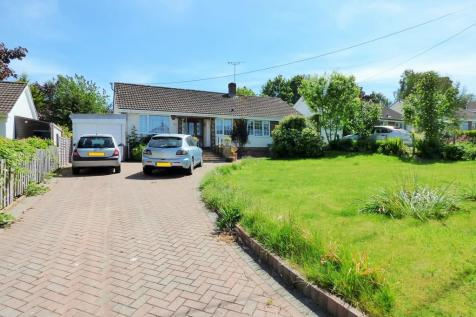 Court Lane, Edington. 2 bedroom detached bungalow