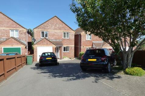 Leigh Road, Westbury. 4 bedroom detached house