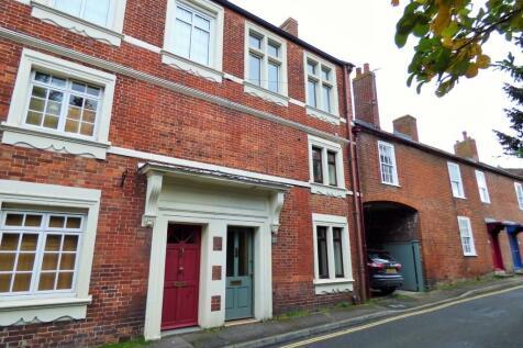Church Street, Westbury. 3 bedroom town house