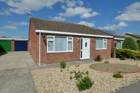 Farleigh Close, Westbury. 2 bedroom detached bungalow