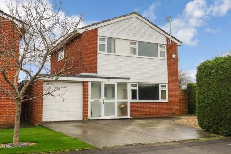 Trowbridge, Wiltshire. 3 bedroom detached house
