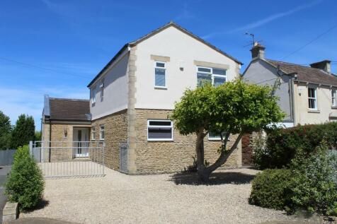 Trowbridge, Wiltshire. 5 bedroom detached house