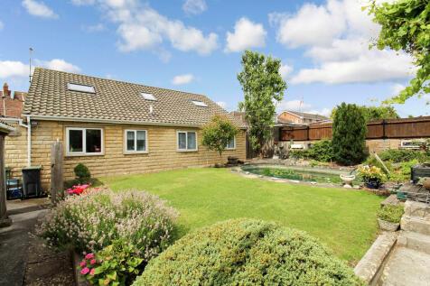 Eastbourne Road, Trowbridge. 5 bedroom detached house
