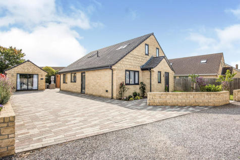 The Willow, Bradley Road. 4 bedroom detached house
