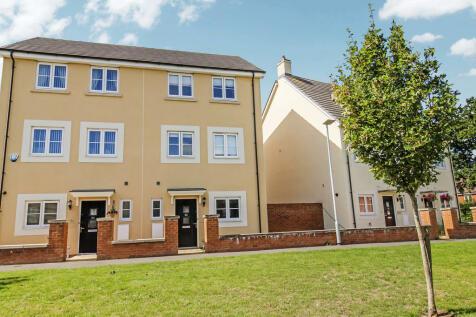 Pipistrelle Crescent, Trowbridge. 4 bedroom semi-detached house