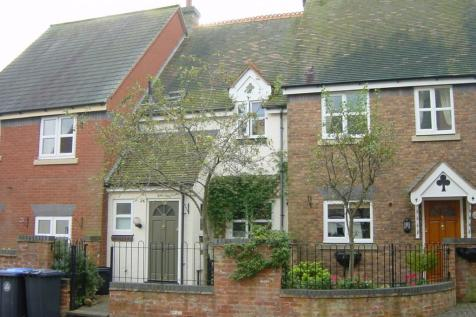 7 The Coach Houses, High Street,Henley-In-Arden,B95. 3 bedroom mews house
