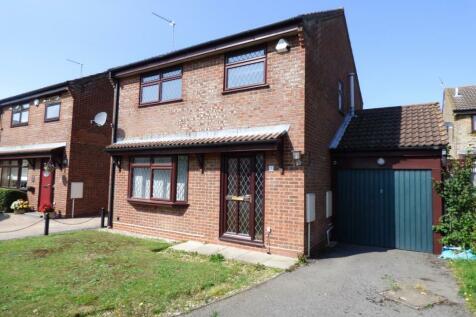 Austen Close, West Totton. 3 bedroom detached house