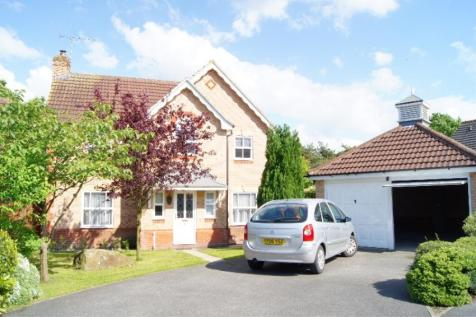 LONG CRAG VIEW, HARROGATE, HG3 2GJ. 4 bedroom detached house